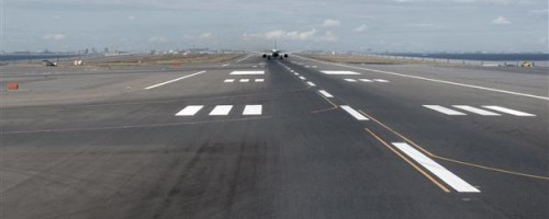 Tokyo Haneda Airport - Runway