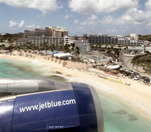 Arriving myself on jetBlue flight B6450 at St. Maarten airport