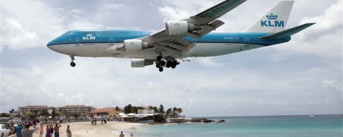 KLM Boeing 747-400 over Maho Beach