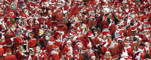 SantaCon Pub Crawlers at Tate Modern doing a Flash Mob