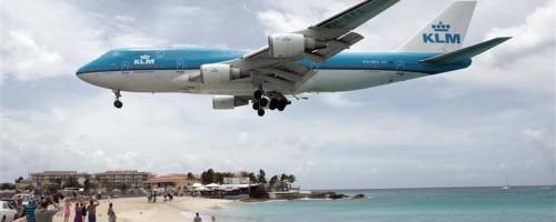 KLM Boeing 747-400 over Maho Beach